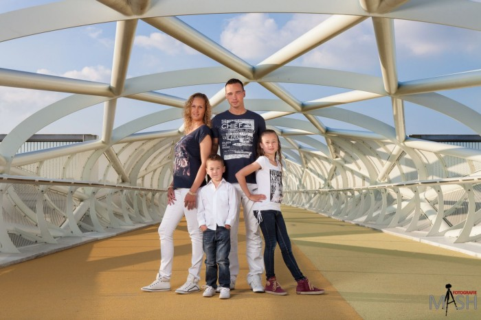 Fotoshoot met familie de Jong op onze nieuwe #loopbrug over de #A15 te #Barendrecht, #de groene verbinding